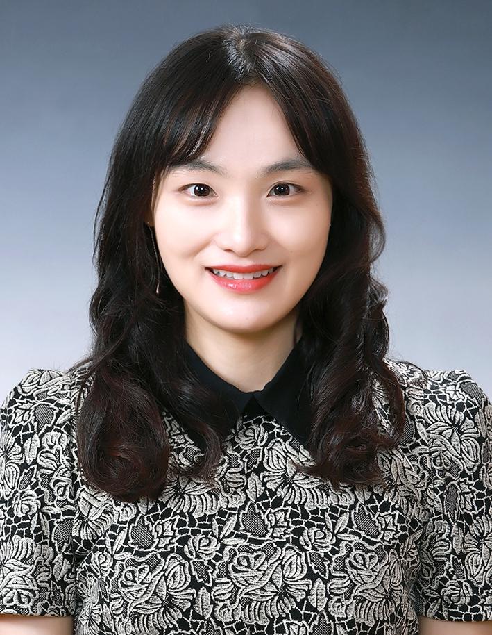 김현진 선생님  사진