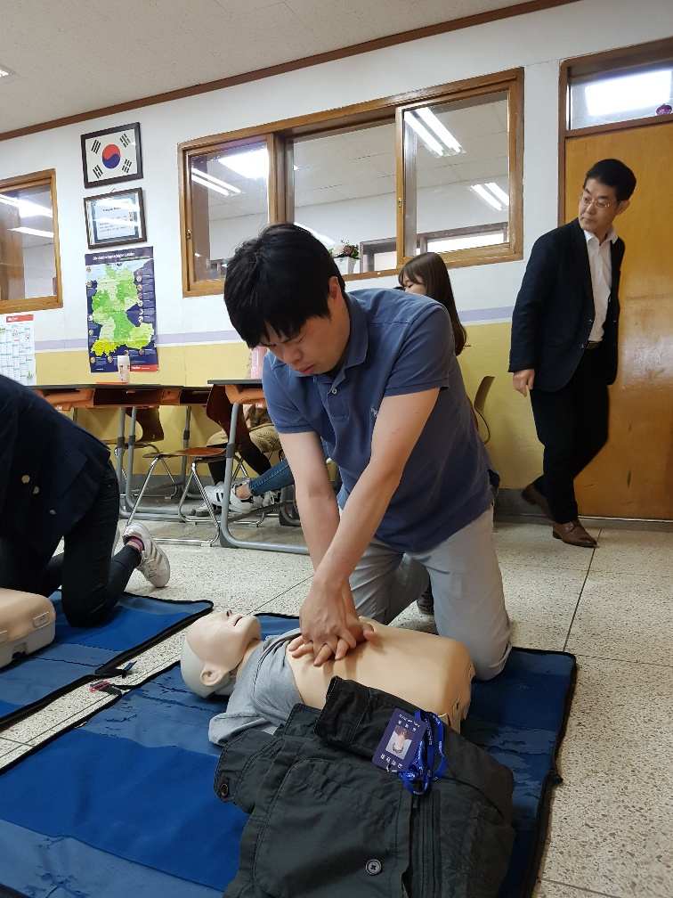 교직원 심폐소생술 교육(3시간)실시