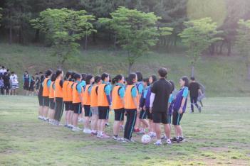 [高]1학년vs2학년 여학생 축구경기 첨부이미지